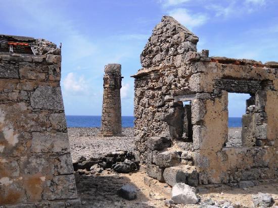Parc national Washington-Slagbaai, Bonaire : Ruins of the old lighthouse at Malmok