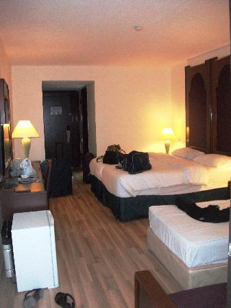 Imbat Hotel: Our Bedroom