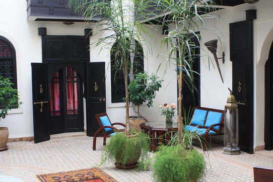 Riad Litzy: Patio