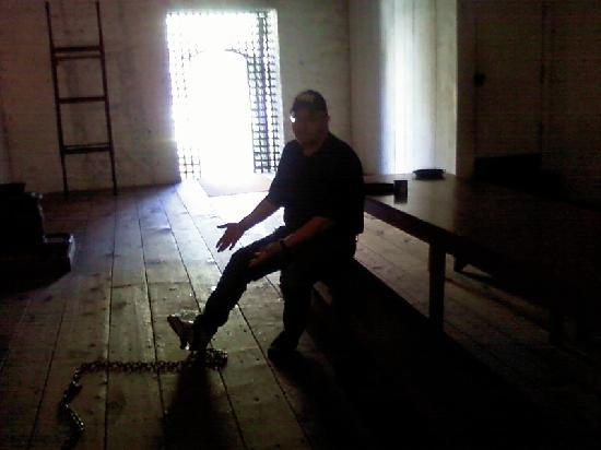 Redding, Californië: In the jail--sorry for the blurry cell phone pic!