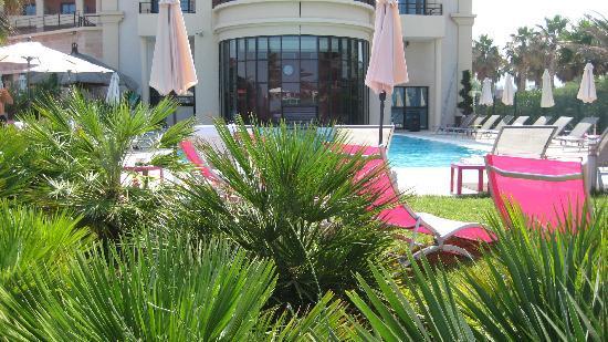 Golden Tulip Villa Massalia: pool
