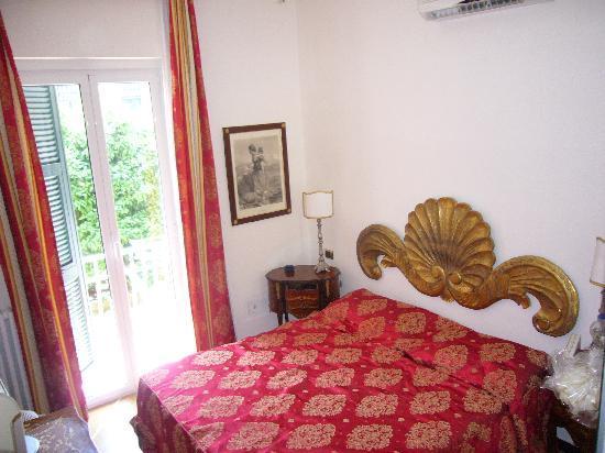Hotel Villa Luisa : Camera