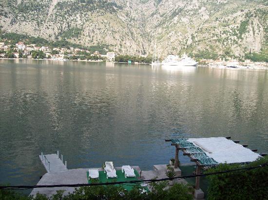 Eurocafe 33 : Lake terrace area