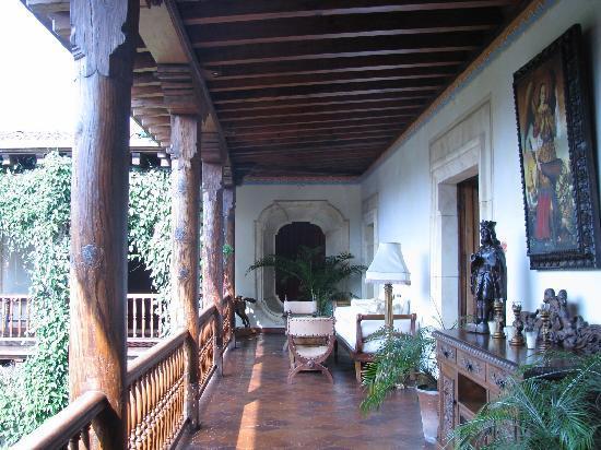 Palacio de Dona Leonor: Interior balcony outside Dona Lucia bedchamber