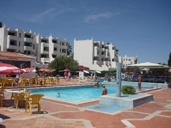 Albufeira Jardim - Apartamentos Turisticos: Both adult pools and the poolside bar can be seen here.