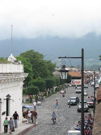 Palacio de Doña Leonor: The view from Dona Lucia balcony towards central park
