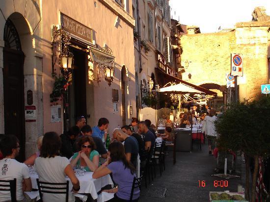 Foto de il giardino romano roma historical view portico d