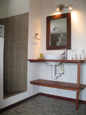 Lodge Las Ranas: Bathroom