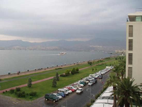 Hotel Izmir Palas: positive Aussicht nach dem Gewitter vom Zimmer