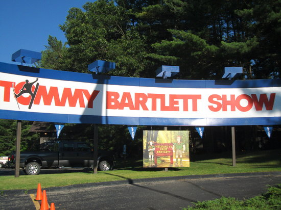 The Tommy Bartlett Show: Entrance Sign.