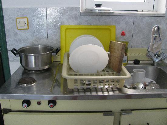Paras Beach Apartments: cooking facilities ??????