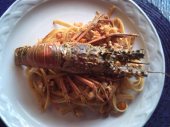 Backpacker's Hostelling Center & Champ's Sports Bar: linguinny&lobster