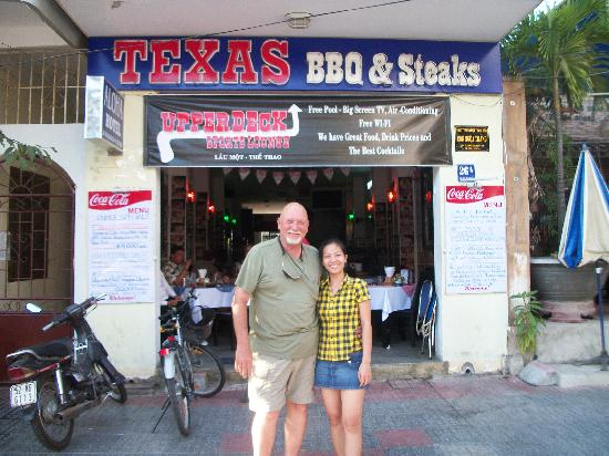 "Texas BarBQ & Steaks Restaurant: That's ""Trouble"" (yes...I'm taking about the girl)"