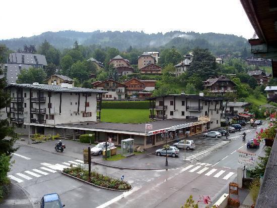 Saint-Gervais-les-Bains, Frankrig: Vista laterale dal balcone