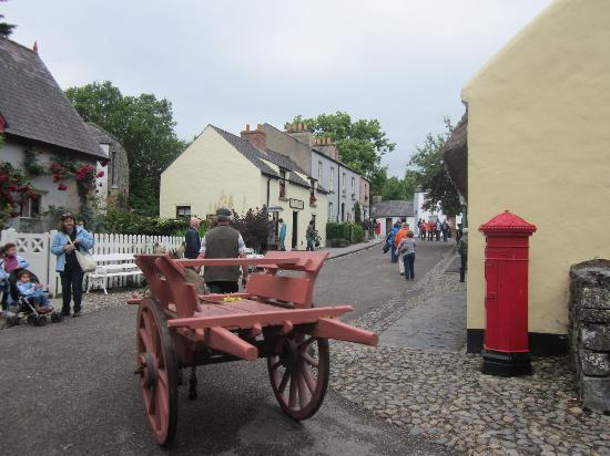 Bunratty Manor Hotel: Castle and Folk Park