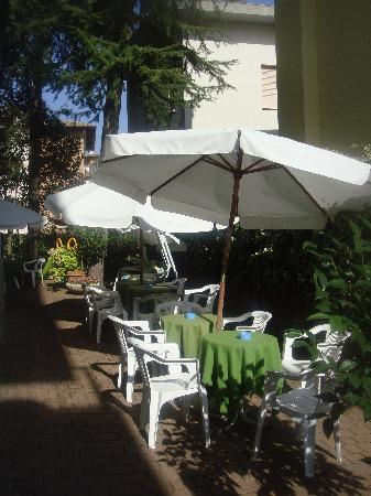 Hotel Del Buono Centro Benessere : il giardino