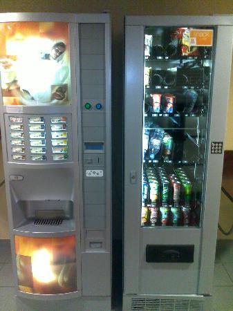 Premiere Classe Geneve - Prévessin : Vending machines