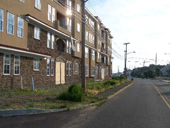 Keansburg Beach: New condos empty next to the Boardwalk