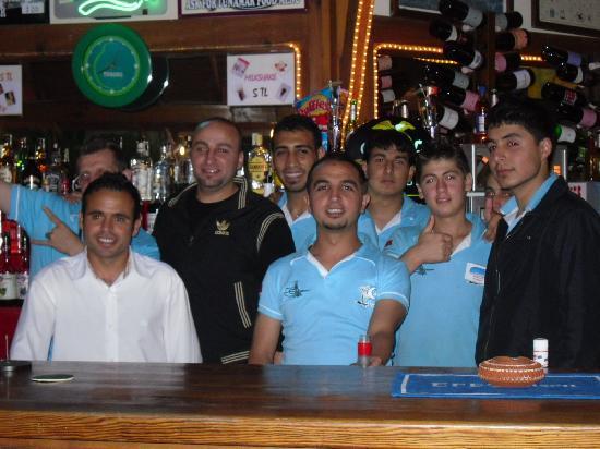 Lunamar Apartments : waiters and bar staff