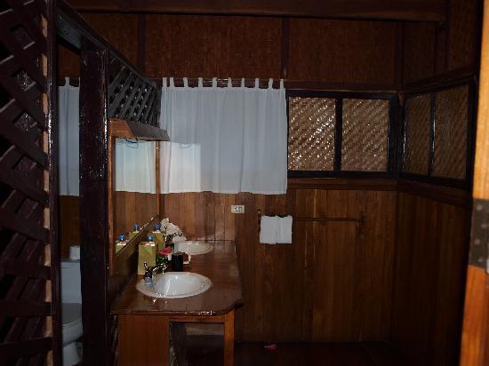 Inle Princess Resort : Baño