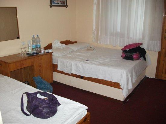 Dipdag Hotel b.b : Our bedroom