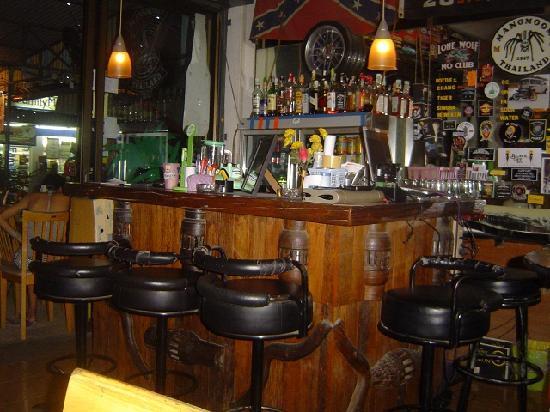 Mang Moom Bikerbar : Die Bar