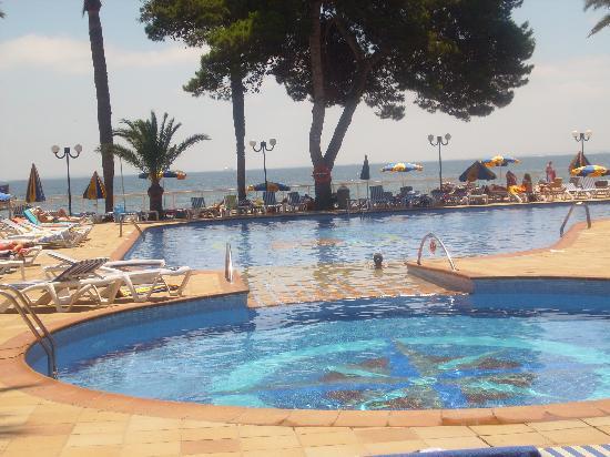 Sirenis Hotel Tres Carabelas & Spa: Piscina