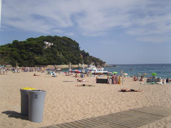 H·TOP Royal Beach: The beach 2 minutes from the hotel!!