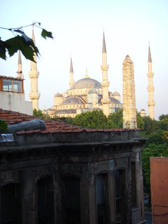 Hotel Fehmi Bey : view of the Blue Mosque from our room