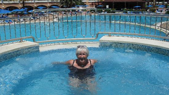 Hotel Apartamentos Princesa Playa: jaccuzi