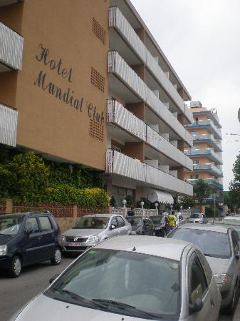 Mundial Club Hotel : Front of Hotel