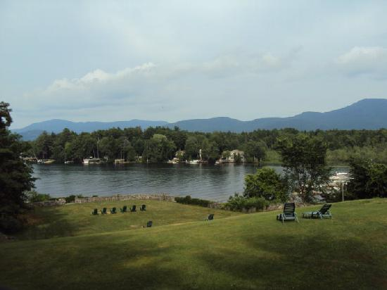Melody Manor Resort: View of Lake George Bay from upstairs room
