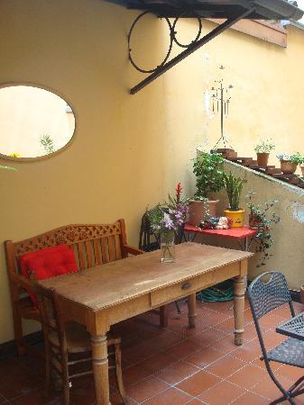 Hotel Giacometti: courtyard area