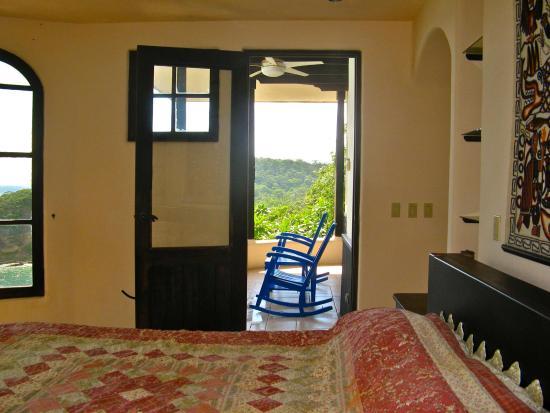 Villa Noche: Master Bedroom is 180 degree round with ocean views, private bath & balcony