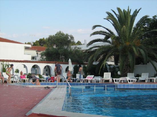 Ioli Village: pool