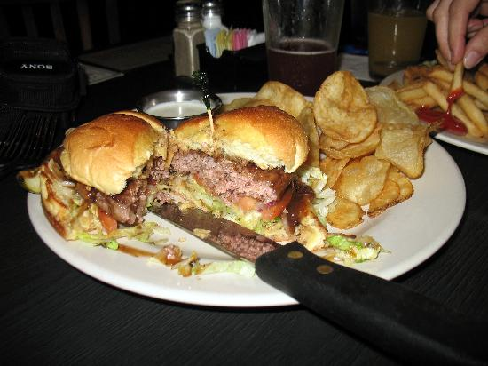 Liberty Brewery & Grill: Peppercorn Burger . . . . exposed