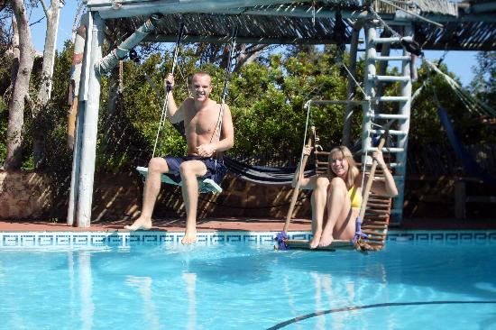 Camps Bay Glen: the pool ... has swings!