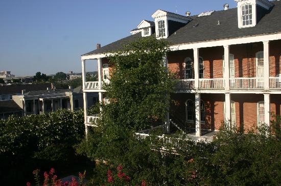 St. Vincent's Guest House: Verandas overlooking inner courtyard