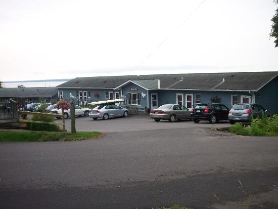 Seagull Bay Motel: Front of motel