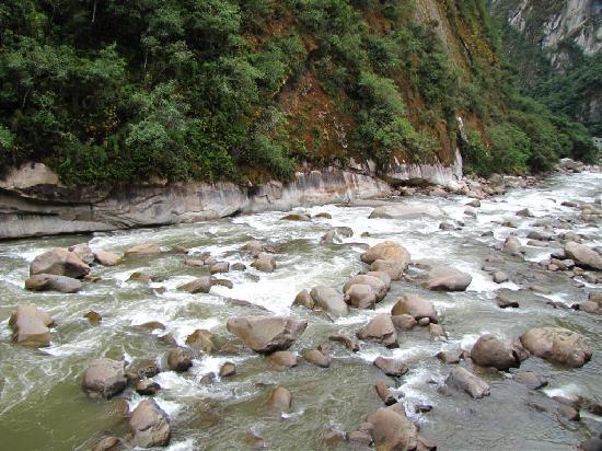 Andina Luxury : View of Urubamba River from Room