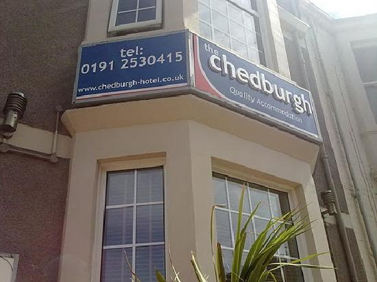 The Chedburgh Hotel: Outside (Make sure you come here) The phone number is just waiting to be called!