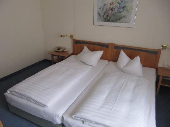 Hotel Tanne: Zimmer (Bett)