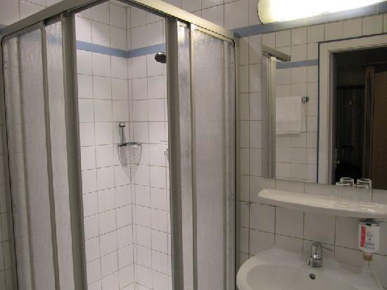 Hotel Tanne : Zimmer (Bad)