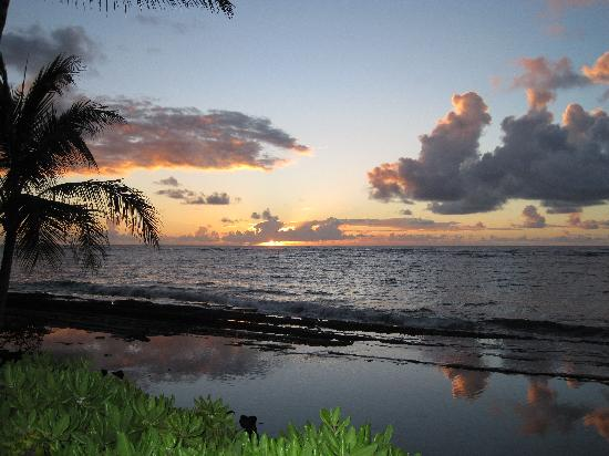 WorldMark at Kapaa Shores: sunrise from Kappa Shore