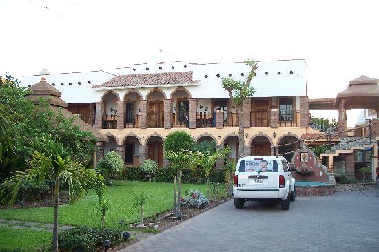 El Fuerte, Mexico: La Choza Courtyard