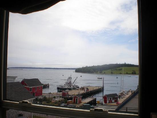 Sail Inn B&B: The view from our room