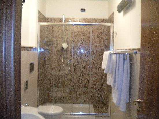 Le Stanze del Vicere': Dusche (leider etwas unscharf)