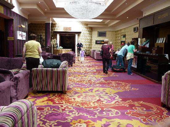 Hillgrove Hotel, Leisure & Spa: Reception Area