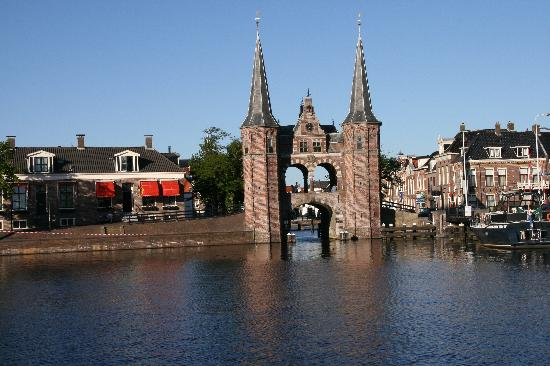 Waterpoort Sneek built 1613