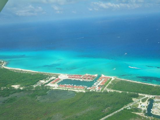 Bimini Sand Resoert and Marina From Sessna
